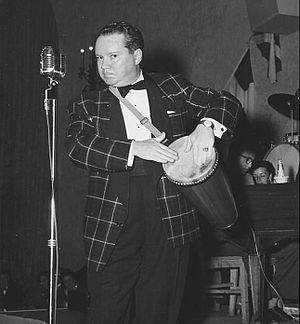 Bill Thompson (voice actor) - Thompson entertaining at a US Navy benefit in 1953