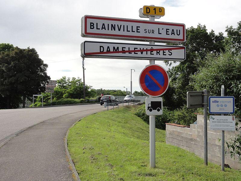 Blainville-sur-l'Eau (M-et-M) city limit sign