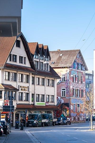 Blick in die Poststraße von der Karlstraße in Tübingen.jpg
