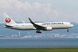 Boeing 767-300ER (Japan Airlines) JA616J .jpg