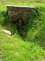 Boury-en-Vexin (60), fontaine, route de Vaudancourt - vieille route de Gisors.jpg