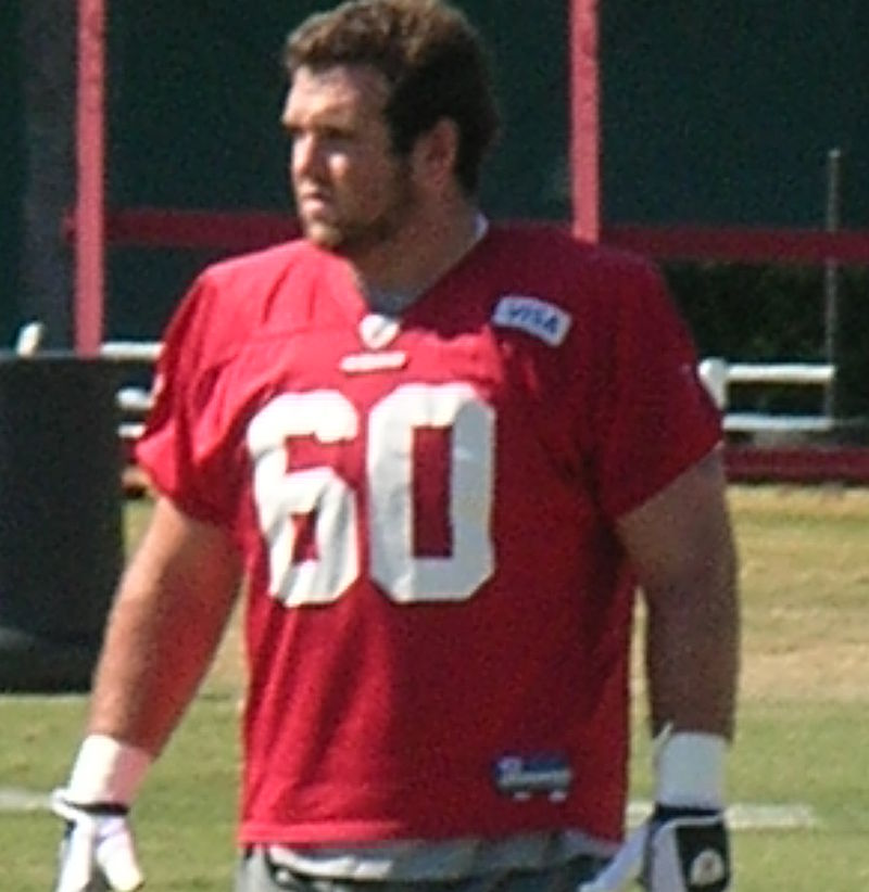Brian de la Puente at 49ers training camp 2010-08-09.JPG