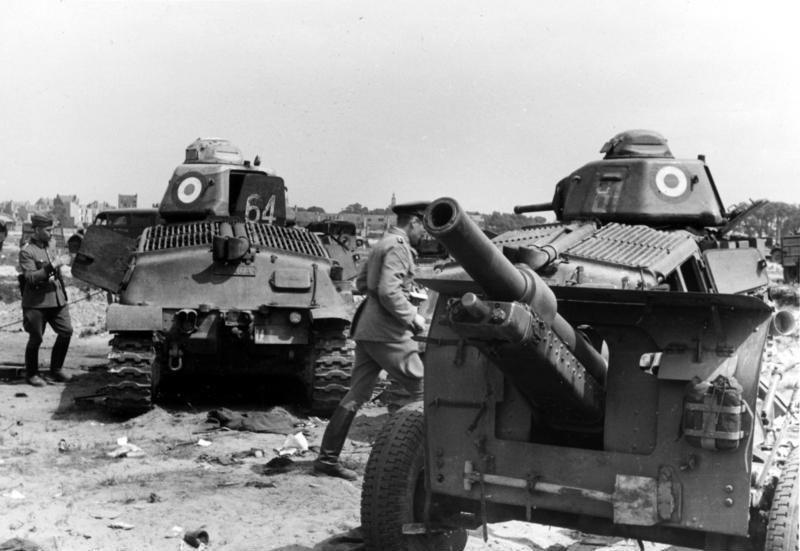 Bundesarchiv Bild 121-0412, Frankreich, Panzer Somua S35, Geschütz