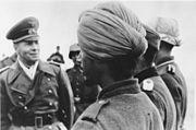 """Bundesarchiv Bild 183-J16796, Rommel mit Soldaten der Legion """"Freies Indien"""""""
