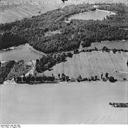 Bundesarchiv Bild 195-1509, Rheinbefliegung, Neuburg - Maximiliansau.jpg