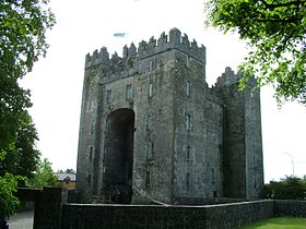 Bunratty Castle.jpg