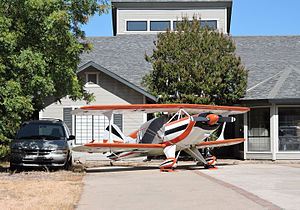 Cameron Park, California - Image: Cameron Airpark plane in driveway