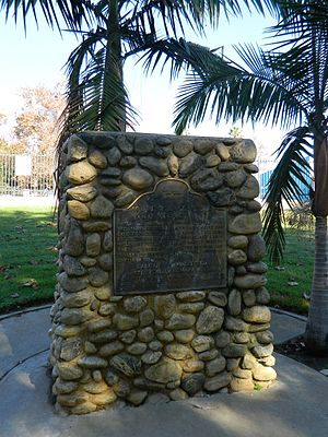 Centinela Springs - Image: Centinela Springs monument 2