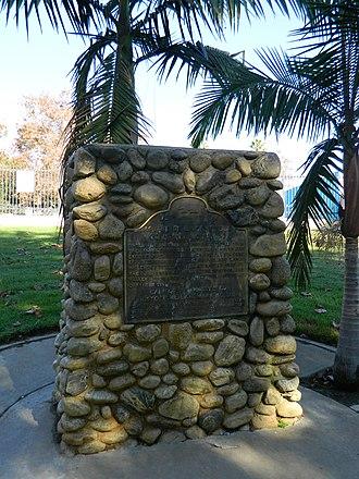Centinela Springs - Image: Centinela Springs monument 2