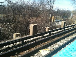 Central station (CTA Purple Line) - Footings for the former North Shore Line platform