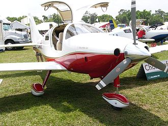 Gull-wing door - A Cessna 350 light aircraft with its gull-wing doors open