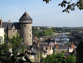 The castle overlooking the town and the river Mayenne.