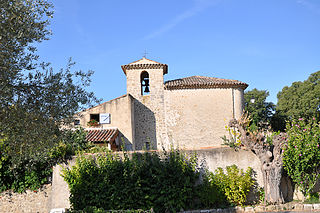 Chapelle romane à Saint-Laurent-du-Verdon.jpg