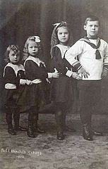 Children of Ernst II and Alexandra of Hohenlohe-Langenburg.jpg