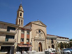 Church and cloister of the ancient franciscan convent, Pina de Ebro 01.jpg