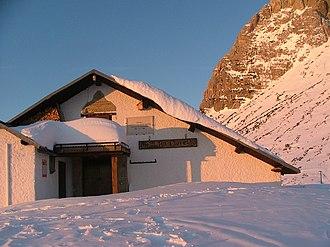 Mountain hut - Image: Ciareido hut marmarole cadore