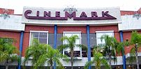{{pt|Letreiro do Cinemark no shopping Downtown...