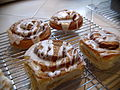 Cinnamon rolls - glazed on wire rack, July 2009.jpg