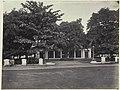 Collectie NMvWereldculturen, RV-A42-1-6, Foto, 'De ingang van het Marine Hotel in Batavia', fotograaf Woodbury & Page, ca. 1875.jpg