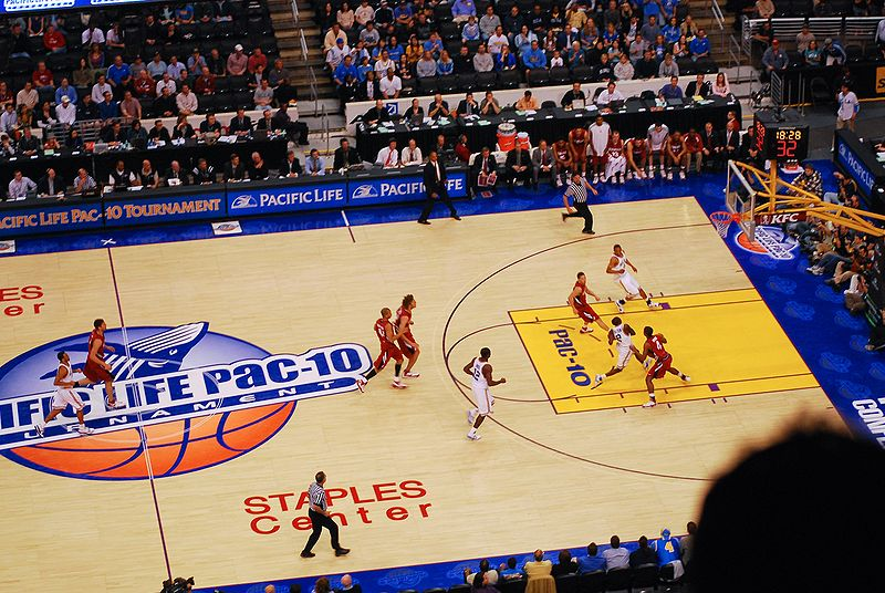 File:Collison drives to the basket in 2008 Pac-10 Championship game.jpg