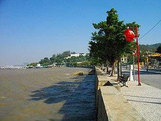 Coloane - Avenida Cinco de Outubro along the west coast of Coloane
