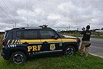 Com radares portáteis, equipe da PRF fiscaliza velocidade na BR-277 (33383452264).jpg