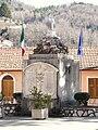 Cosio di Arroscia-monumento ai caduti.jpg