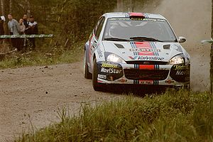 Ford Focus RS WRC - Carlos Sainz driving an RS WRC 01 at the 2001 Rally Finland.