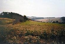 Un tratto del confine tra la Germania Est e la Germania Ovest, si vedono tratti della cortina di ferro, in questo caso una lunga rete.