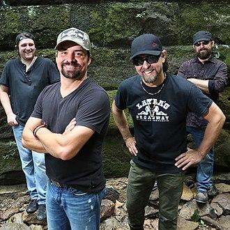 Davisson Brothers Band - Image: DAVISSON BROTHERS BAND WIKI 800X800 112017 001