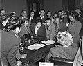 Dames van Indonesische RTC-delegatie bij Assen, Bestanddeelnr 903-6504.jpg