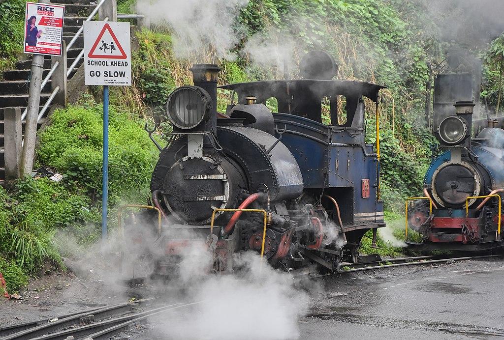 The Darjeeling Himalayan Railway. Photo credit: Syed Sajidul Islam/Wikimedia Commons [CC Attribution-Share Alike 4.0 International Licence].