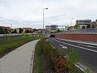Dejvický tunel, výjezd u nádraží Praha-Dejvice.jpg