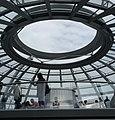Die Reichstagskuppel ist ja oben offen - panoramio.jpg