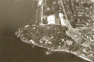 Zürichhorn - Landidörfli of the Swiss national exhibition in 1939, aerial photography by Walter Mittelholzer