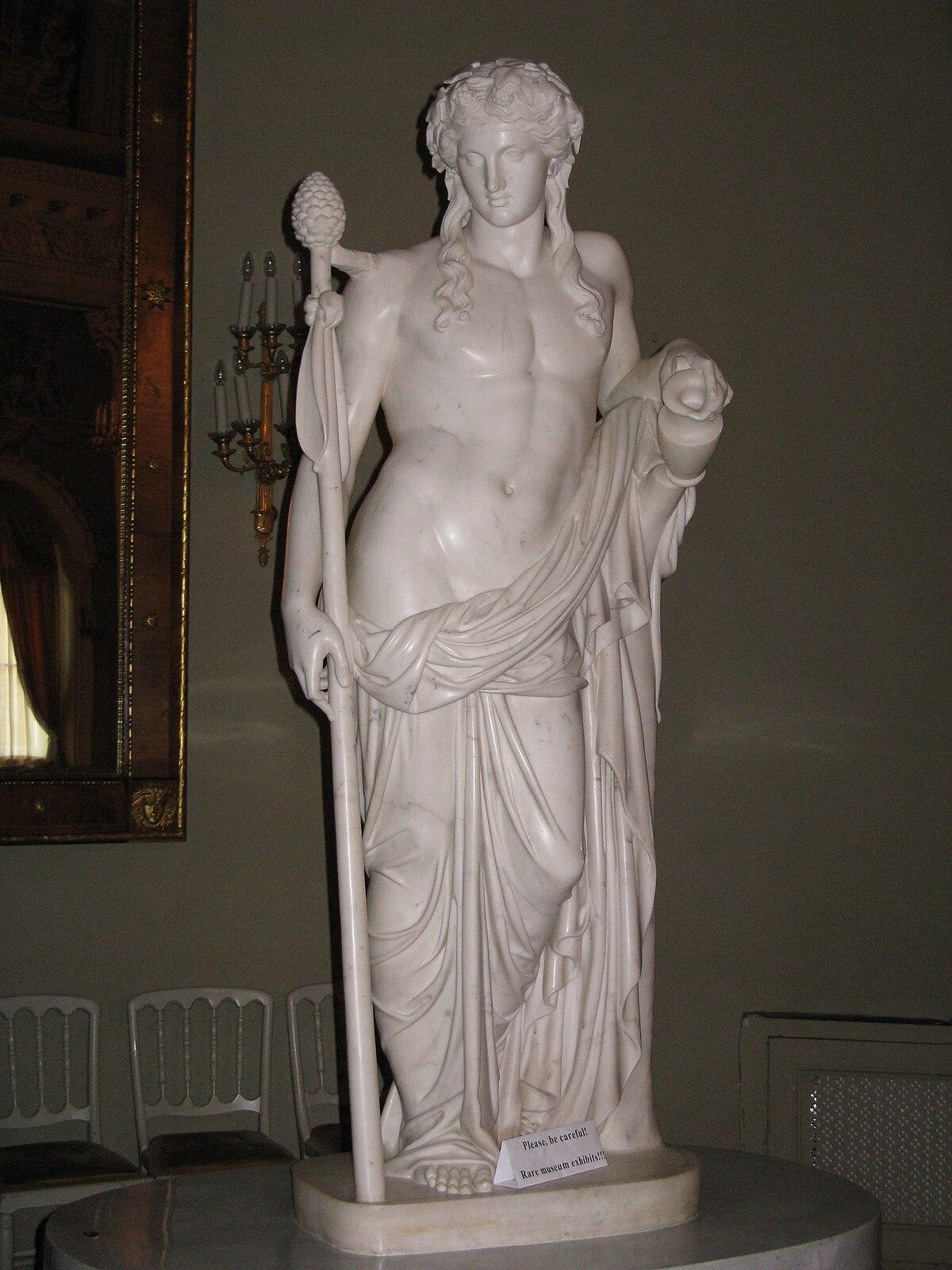 В древнегреческой мифологии бог растительности вина и веселья