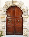 Door in Rethymno 01.jpg