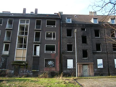Shrinking Duisburg: Abandoned buildings in the borough of Beeck Duisburg-Beeck 05.02.2013 09.JPG