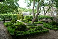 Dunbar's Close Garden 01.jpg
