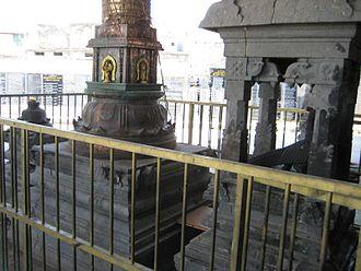 Kumarakottam Temple - Dwaja sthamba (Flagpost) of the Kumarakottam Temple
