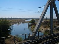 E7840-Shu-city-river-crossing.jpg