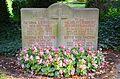 Ehrengrab Familie Wilhelm Liebrecht, Gesina Rüther, Pastor Otto Kolshorn, Stadtfriedhof Engesohde, Hannover.jpg