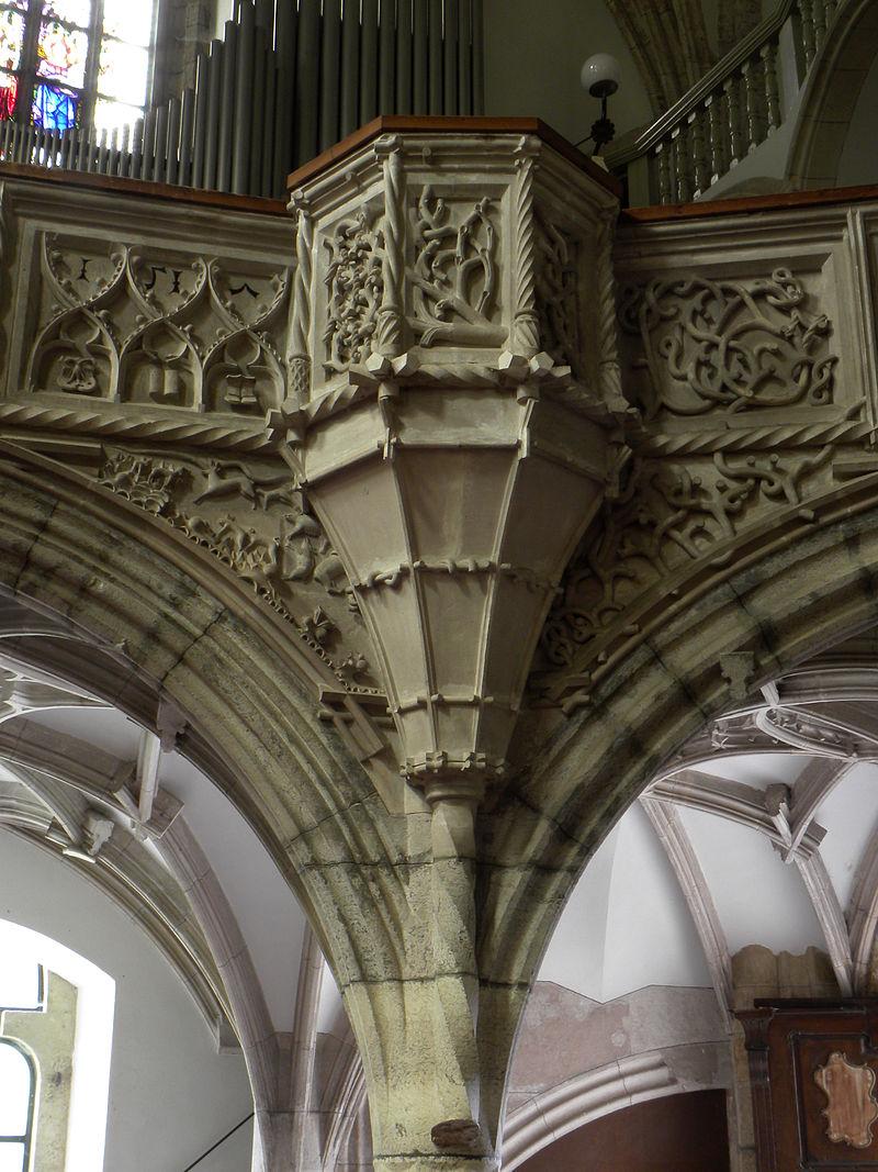 800px-Eisenerz_-_Wehrkirche_hl_Oswald_-_Detail_der_Empore_mit_der_rechten_Kanzel.jpg
