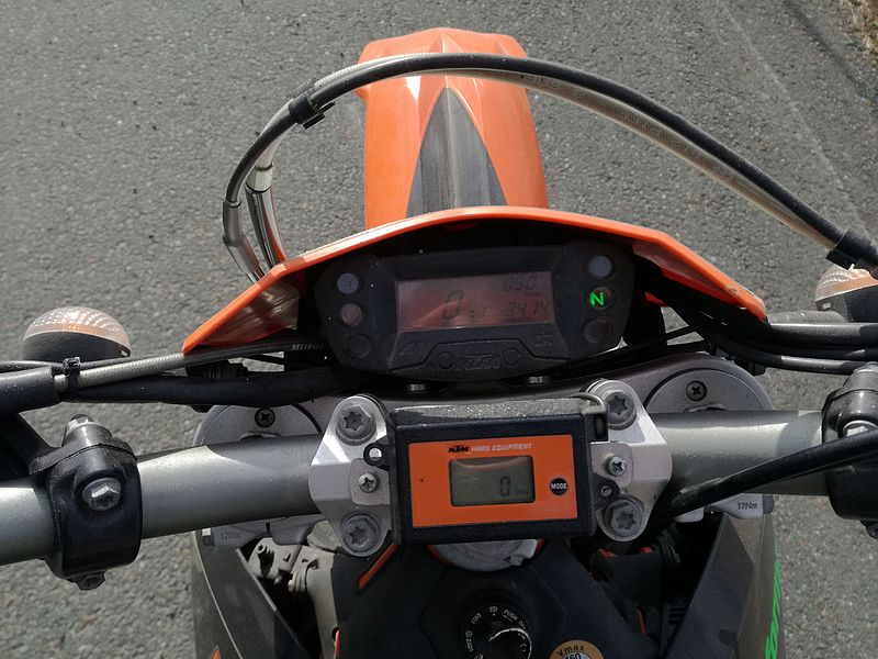 File:Enduro R Cockpit.jpg
