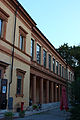 Entrata laterale teatro Storchi.jpg
