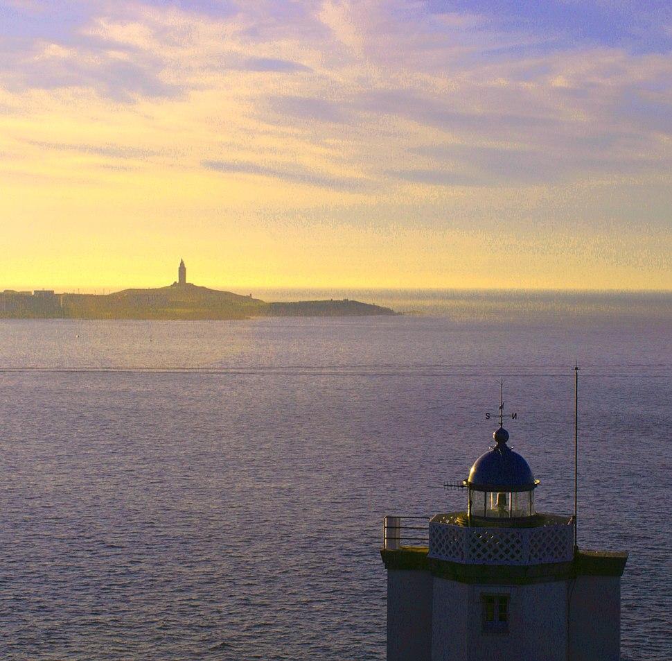 Faros de Oleiros e A Coruña