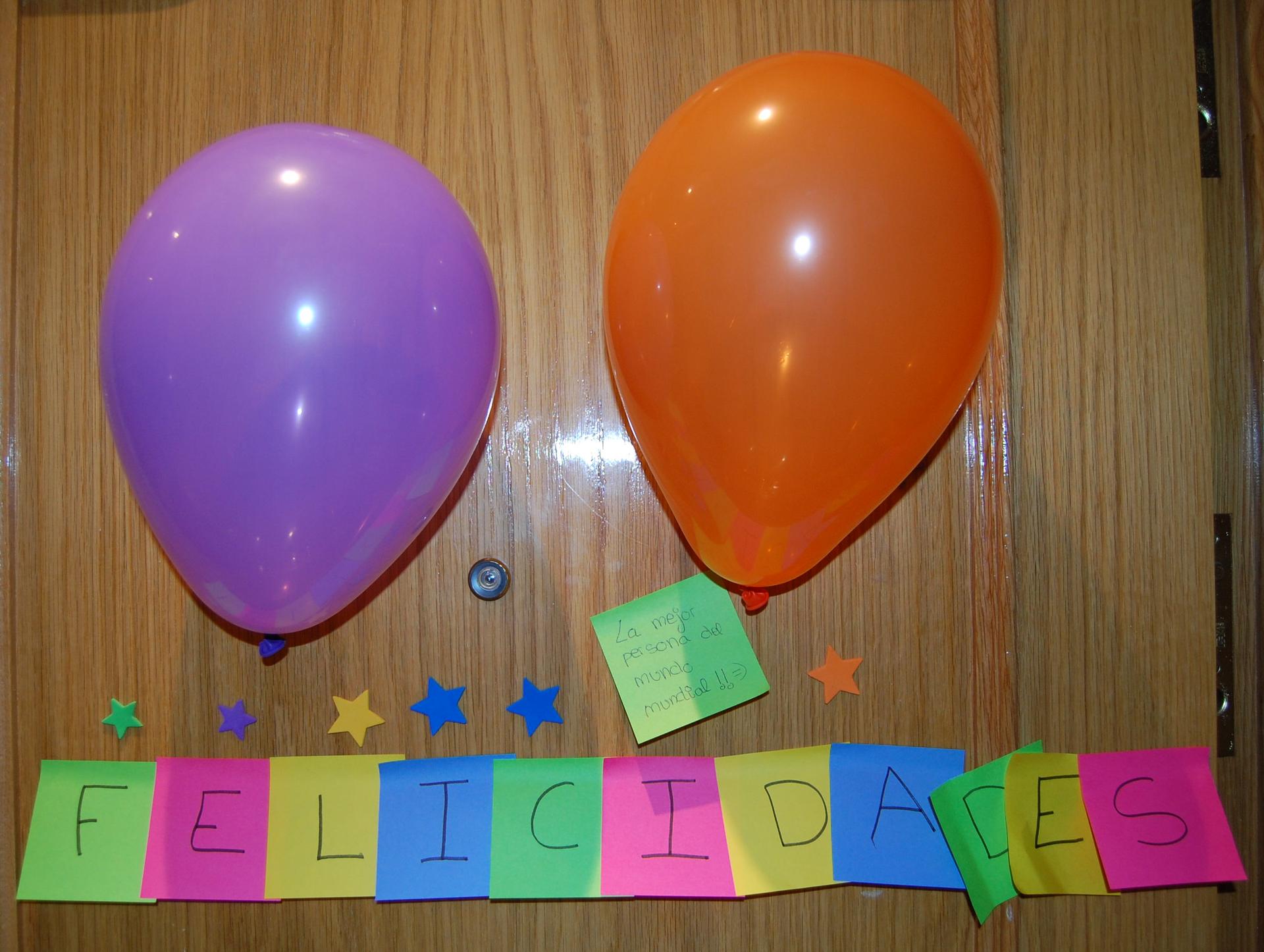 Cumplea os wikipedia la enciclopedia libre for Como hacer que los globos se queden en el techo