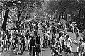 Fietsdemonstratie in Amsterdam tegen de autoterreur, ongeveer 15.000 deelnemer, Bestanddeelnr 932-1614.jpg