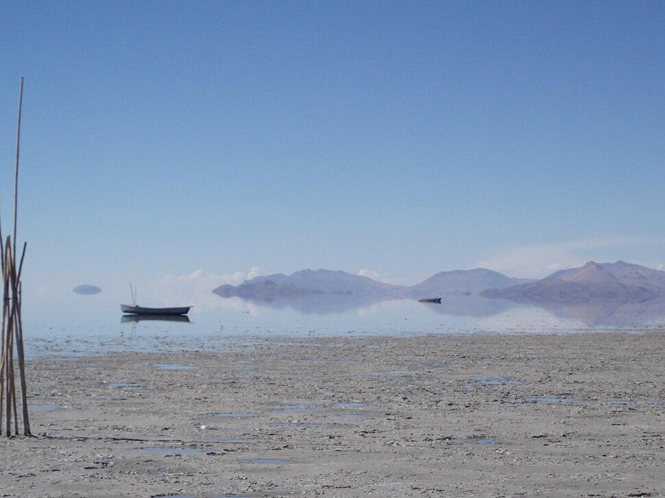 Fishing boat Lake Poopo