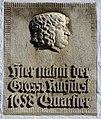 Flensburg Große Strasse 48, die Tafel vom Haus mit dem Schriftzug Hier nahm der Grosse Kurfürst (also Der Große Kurfürst Friedrich Wilhelm von Brandenburg) 1658 Quartier (Tafel Größer).JPG